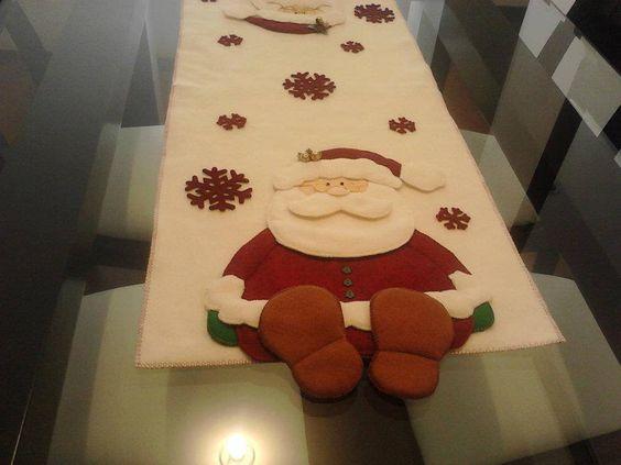 28 Ideas de centros de mesa navideños hechos con fieltro 22