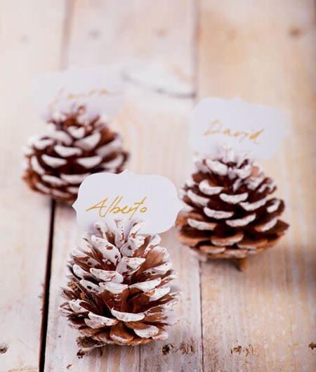 Centros de mesa navideño con piñas preciosos 5