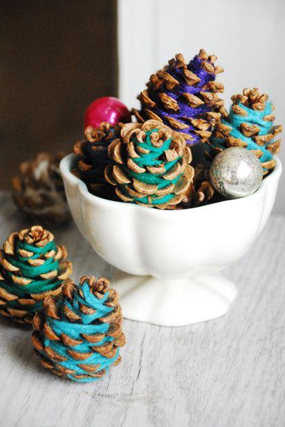 Centros de mesa navideño con piñas preciosos 11