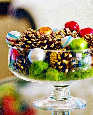 Centros de mesa navideño con piñas preciosos 12