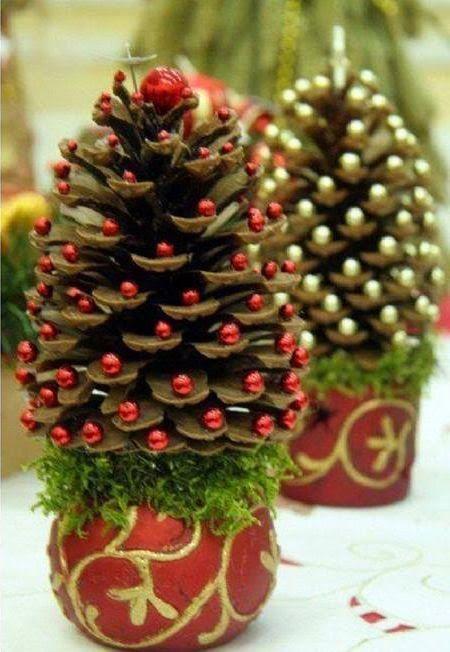 Centros de mesa navideño con piñas preciosos 13