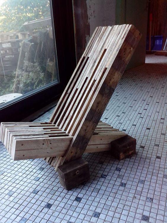 30 ideas de sillones y sof s de palets muy originales ideas creativas - Hacer sillones con palets ...