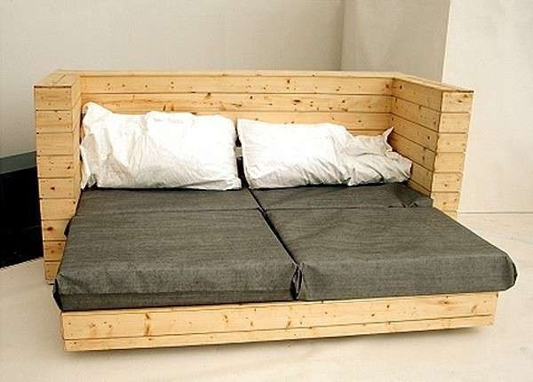 30 ideas de sillones y sof s de palets muy originales for Como hacer un sillon con una cama