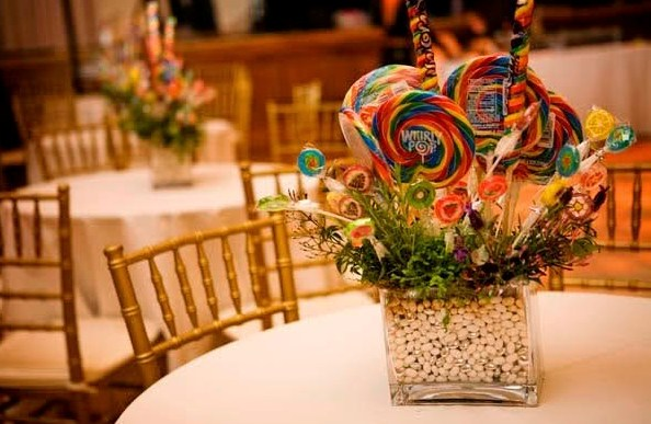 Excelentes ideas de centros de mesa con dulces 58