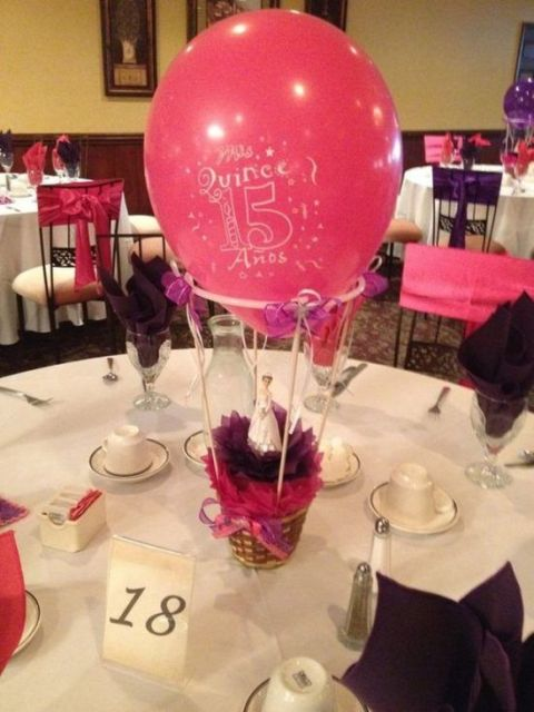Centros de mesa con globos,  económicos y elegantes 21