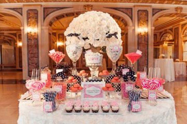 Excelentes ideas de centros de mesa con dulces 10