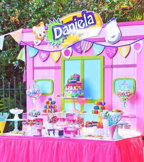 Excelentes ideas de centros de mesa con dulces 16