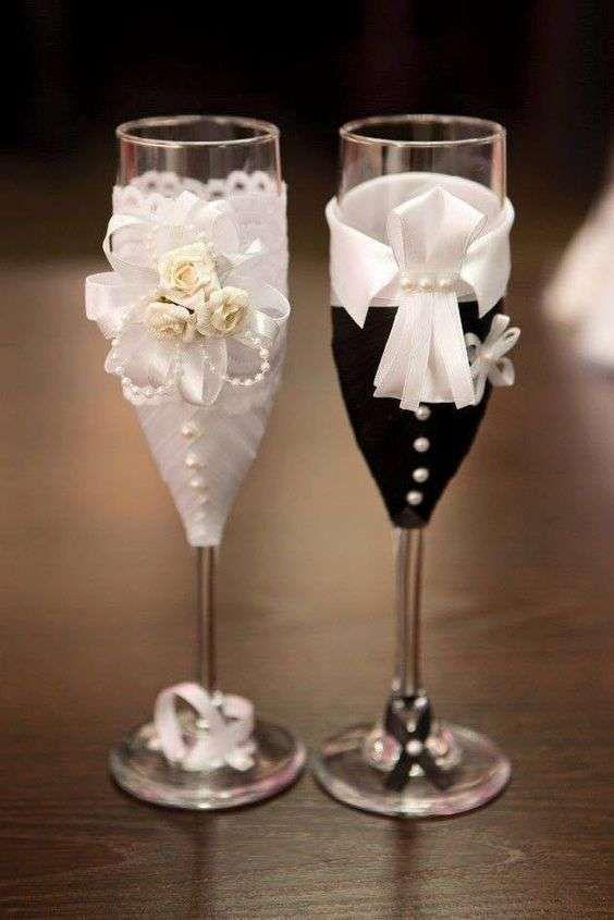Centros de mesa con copas. Un fino detalle para tu fiesta. 17