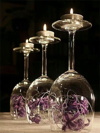 Centros de mesa con copas. Un fino detalle para tu fiesta. 2