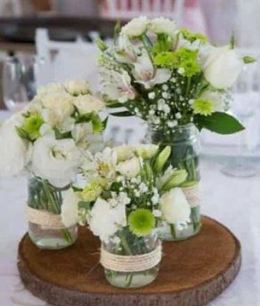 +25 Centros de Mesa con flores naturales que todos podemos hacer 16