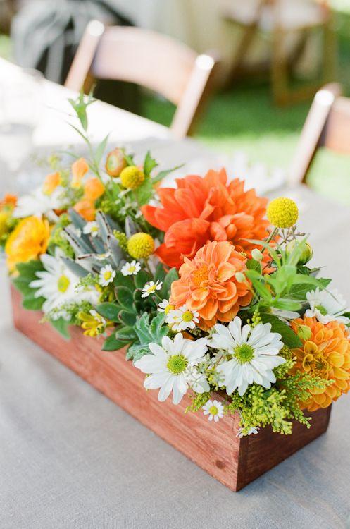 +25 Centros de Mesa con flores naturales que todos podemos hacer 19