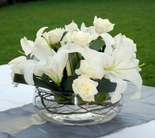 +25 Centros de Mesa con flores naturales que todos podemos hacer 24