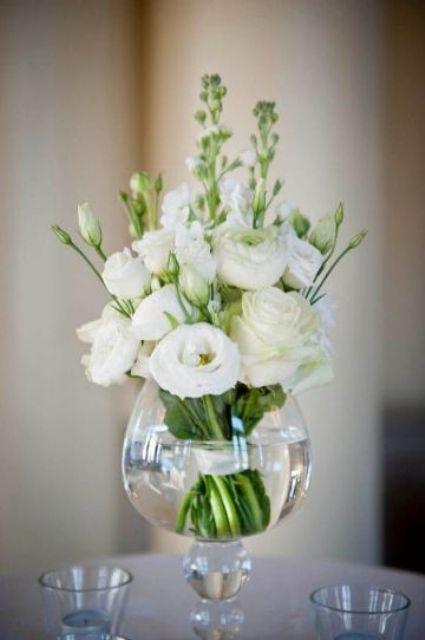 +25 Centros de Mesa con flores naturales que todos podemos hacer 4
