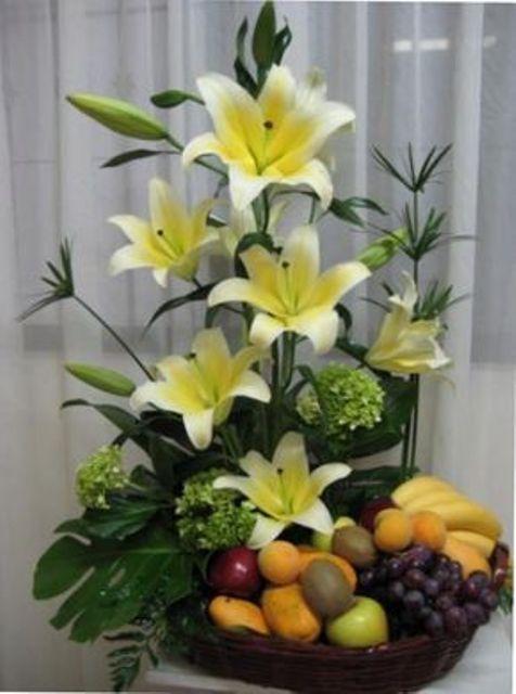 +25 Centros de Mesa con flores naturales que todos podemos hacer 27